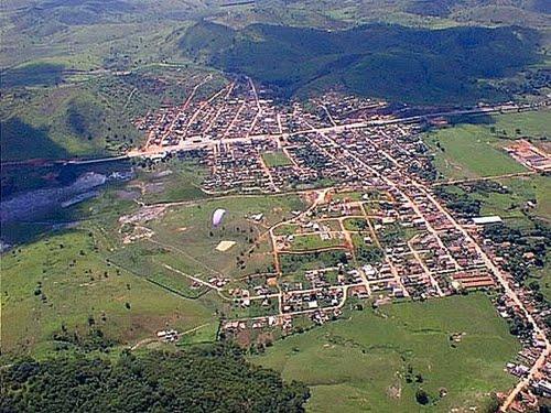 Fernandes Tourinho Minas Gerais fonte: br.distanciacidades.net