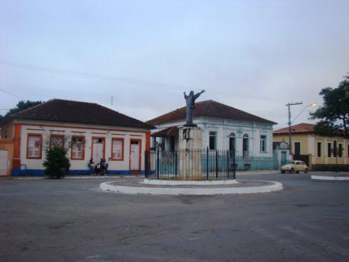 Santo Antônio do Amparo Minas Gerais fonte: br.distanciacidades.net